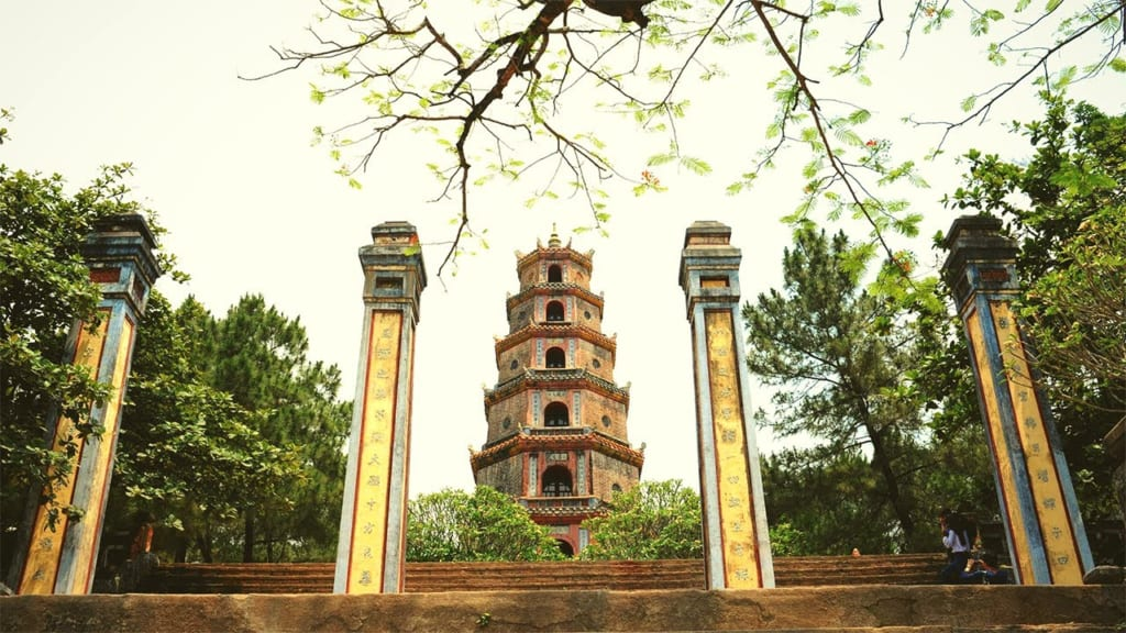 Nên trùng tu chùa Linh Mụ như thế nào?